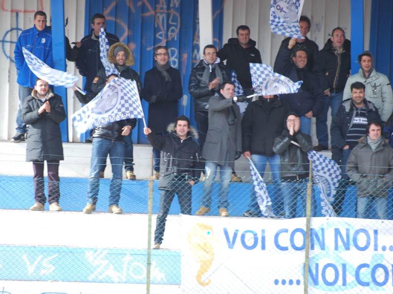 Tifosi del Martinsicuro nella trasferta a Carsoli